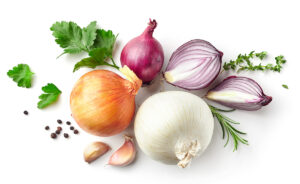 various,onions,and,spices,isolated,on,white,background,,top,view