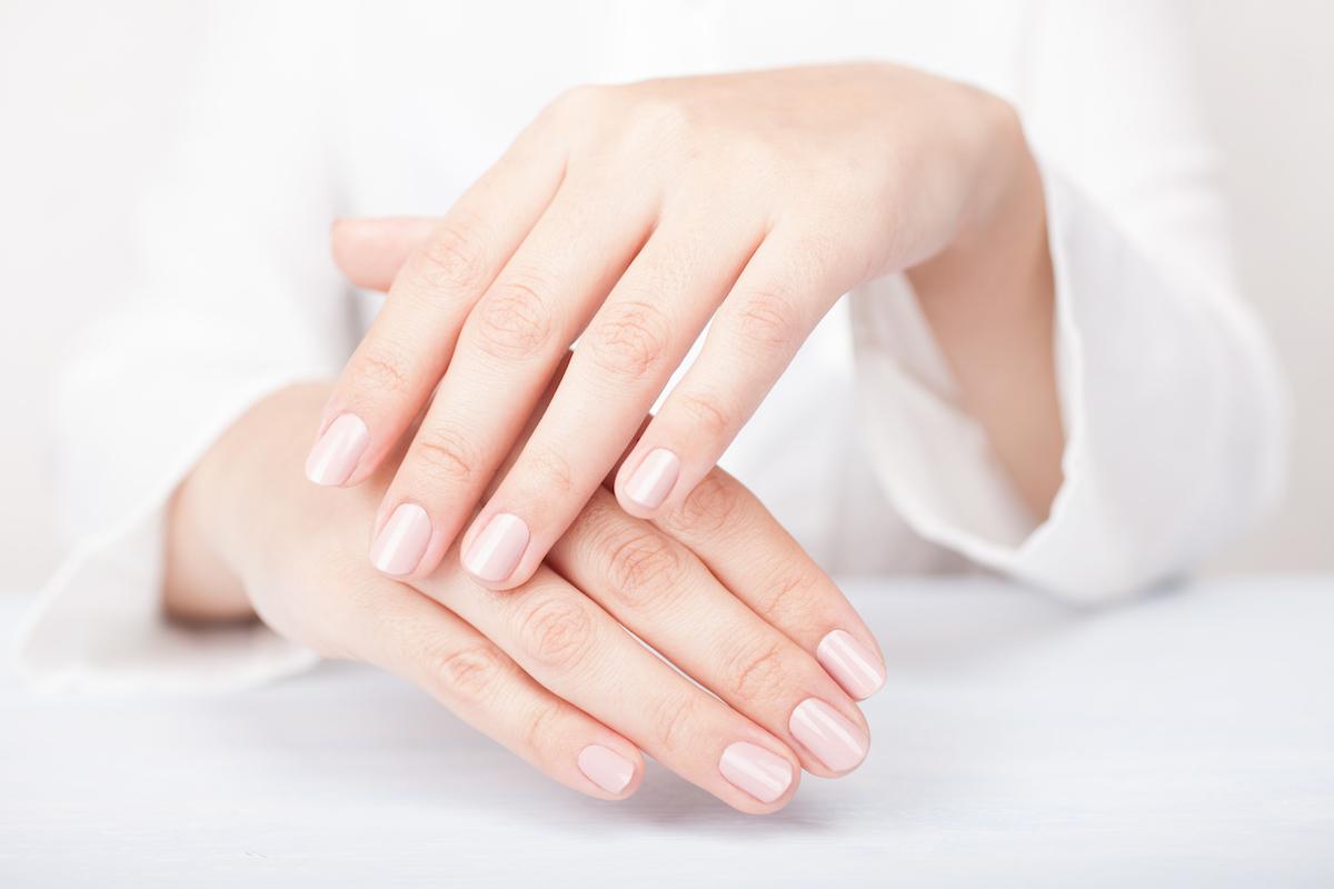 DIY Healing Brown Sugar Dry Hand Treatment