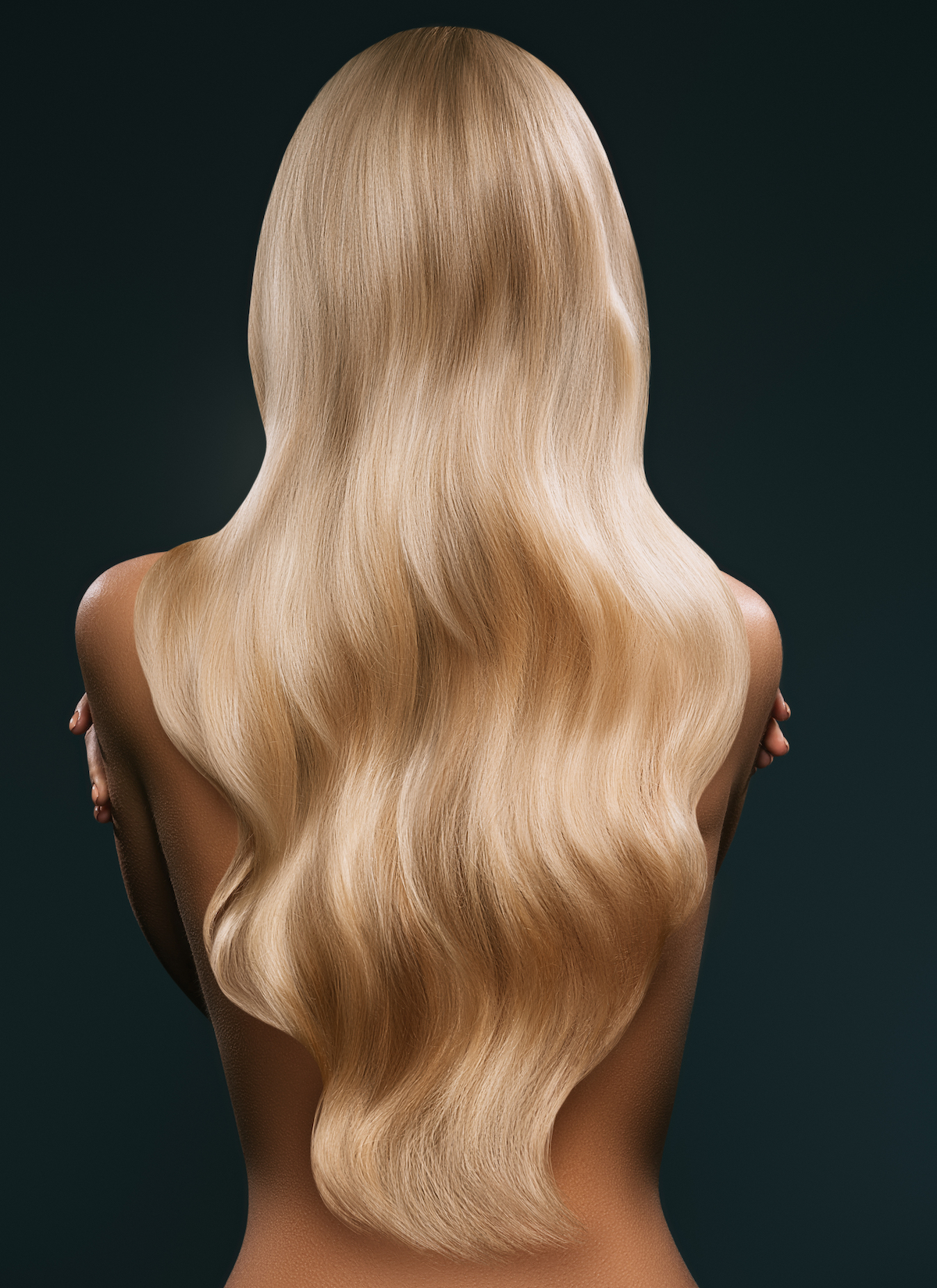 back,view,of,woman,with,long,blond,hair,,isolated,on