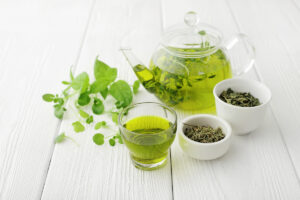 healthy,green,tea,cup,with,tea,leaves