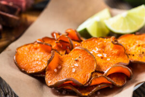 spicy sweet potato chips with dip